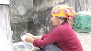 Hoàn cảnh đáng thương của người phụ nữ sống trong túp lều tạm