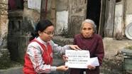 Hội đồng hương Nghệ An tại Đài Loan trao tiền hỗ trợ cho gia đình khó khăn