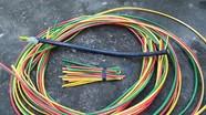 Ba gã công nhân hàn xì trộm gần 20 mét dây cáp điện