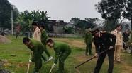 Đoàn thanh niên ủng hộ 30 triệu đồng xây sân bóng chuyền cho thôn xóm