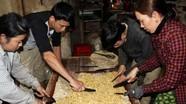 Rộn ràng làng nghề bánh kẹo vào vụ Tết