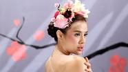 Phương Trinh Jolie khoe vẻ gợi cảm khi quay MV mới