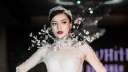 Hoa hậu Kỳ Duyên mặc váy cưới 3 tỷ, làm người mẫu chính trên sàn diễn