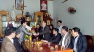 Chủ tịch UBMTTQ tỉnh chúc mừng Giáng sinh giáo xứ Lạng Điền