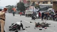 4 người trên 2 xe máy nguy kịch sau cú đâm mạnh