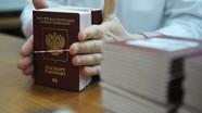 EU có thể không công nhận hộ chiếu Nga cấp cho cư dân Donetsk và Lugansk