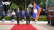 Lễ đón trọng thể Chủ tịch nước Nguyễn Xuân Phúc thăm hữu nghị chính thức Lào