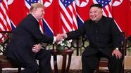 Hai ông Trump, Kim đi bộ, trò chuyện ở vườn trong khách sạn