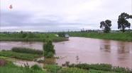 Chủ tịchTriều Tiên Kim Jong Un đích thân thăm làng bị lũ lụt, phát gạo cho dân