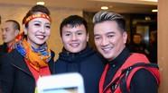 Jennifer Phạm, Mr Đàm vui vẻ khi được gặp cầu thủ Quang Hải