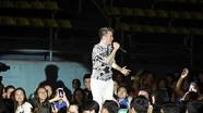 Đàm Vĩnh Hưng mời 1.000 người nghèo đến nghe hát