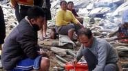 Người dân miền núi Nghệ An bắt được cá lệch nặng hơn 1 yến