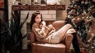 Ngọc Trinh khoe nhan sắc trong đêm Giáng sinh