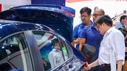 Ô tô mới 'cháy hàng', người Việt đổ xô thuê xe tự lái dịp Tết