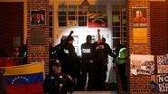 Mỹ đột kích Đại sứ quán Venezuela tại Washington; Đụng độ bạo lực tại Sri Lanka