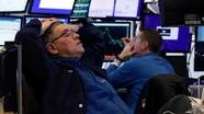 Thế giới tuần qua: Covid-19 giáng đòn mạnh vào kinh tế thế giới