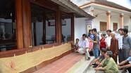Bản ghi nhận công lao bằng gấm cổ dài 4,5 mét về Tướng quân Nguyễn Trọng Thưởng