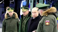 Tổng thống Putin đánh giá cao thành tích của hải quân và lục quân Nga