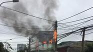Cháy đường dây điện ở thành phố Vinh