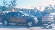 Hai nhóm giang hồ tông ôtô vào nhau, rút súng hỗn chiến