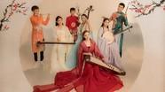 Phi Nhung khoe dàn con nuôi trong bộ ảnh Tết