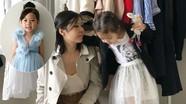 Mẹ gốc Việt bỗng nổi tiếng tại Mỹ từ chiếc váy may trong 2 giờ cho con gái