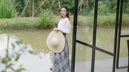 Á hậu Hà Thu gợi ý váy áo đón hè