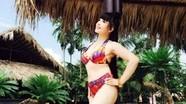 Lan Hương tiếp tục tung ảnh bikini khoe dáng U60