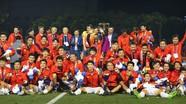 Lệ Quyên mời U22 Việt Nam và đội bóng đá nữ dự liveshow 30 tỷ