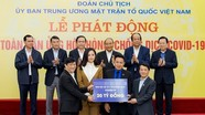 Mai Phương Thúy gặp Thủ tướng, đại diện trao 20 tỷ đồng chống dịch Covid-19