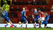 Man Utd thắng đậm Stoke, rút ngắn khoảng cách với đội đầu bảng Man City