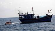 Kịp thời cứu 11 thuyền viên Nghệ An gặp nạn trên biển