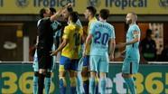 Messi ghi bàn, Barca vẫn ôm hận vì trọng tài