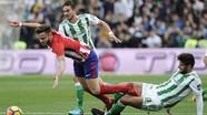 Barca tiến gần hơn đến ngôi vô địch La Liga nhờ trận hòa của Atletico