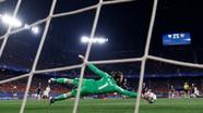 Pogba được vinh danh hay nhất tháng, MU mất De Gea
