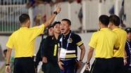HLV Hà Nội chịu án cấm chỉ đạo 4 trận, sân Pleiku bị phạt tiền