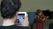 4 lý do phụ huynh tuyệt đối không nên đăng ảnh con lên mạng xã hội