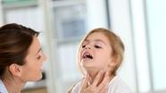 7 sai lầm của cha mẹ khiến trẻ bị viêm đường hô hấp mùa nắng nóng