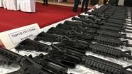 Trung Quốc tặng tàu tuần tra, súng phóng lựu cho Philippines