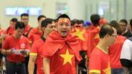 Cổ động viên Việt Nam đổ sang Indonesia cổ vũ đội tuyển