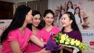 Thí sinh Hoa hậu Việt Nam ngân nga điệu hò ví giặm cùng NSND Hồng Lựu