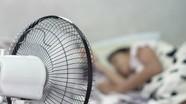 Tác động của việc bật quạt khi nằm ngủ đối với sức khỏe
