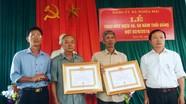 Nghĩa Đàn trao tặng Huy hiệu Đảng cho các đảng viên