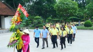 Đảng bộ Khối Dân - Chính - Đảng TP. Hồ Chí Minh dâng hương tại Khu Di tích Kim Liên