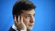 Ukraine 'đi trên dây' tránh 'bão'