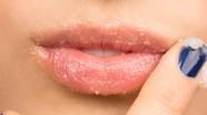 Làm gì để đôi môi hết thâm sạm?