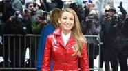 Mốt áo khoác cá tính được sao Hollywood tích cực lăng xê