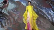 H'Hen Niê gây ấn tượng trong trang phục áo dài cách điệu