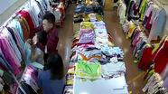 Rùng mình cảnh tượng đôi nam nữ xông vào shop quần áo sát hại nữ nhân viên