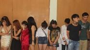 Hàng chục cô gái phê ma túy trong quán karaoke